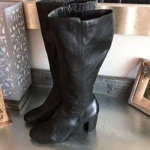 Arturo chiang block heeled black boots size 8.5